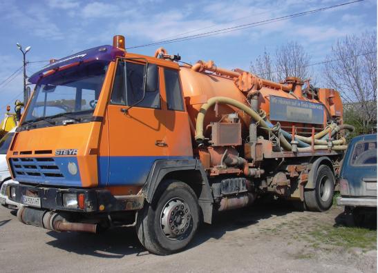 камион за септични ями